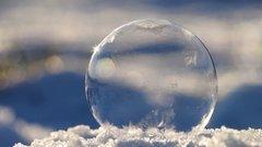 Thumbnail of Freezing soapbubble