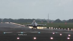 Thumbnail of Impressive F-16 Touch and GO followed by 2 aileron roll's