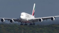 Thumbnail of AIRBUS A380 hard crosswind landing - different angle