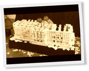 Thumbnail of Capitol building made of 22000 cards